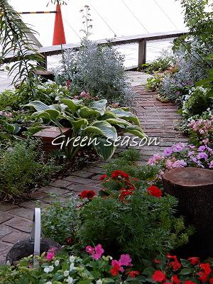 小さな花壇で ^^*